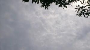 何かが降臨しそうな空