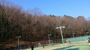秋から冬に変わったテニスコート